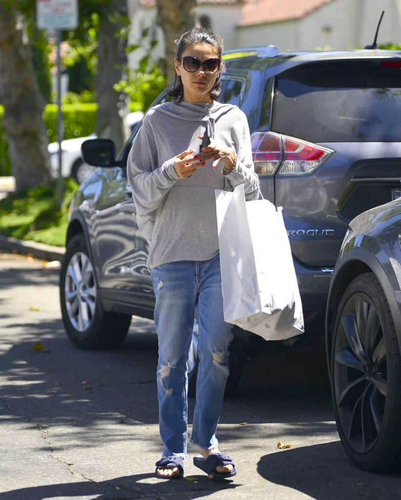 Mila Kunis Goes Shopping in Los Angeles 07/08/2018-3