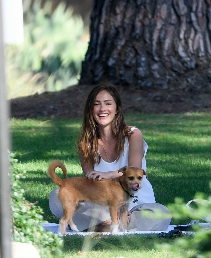 Minka Kelly Takes Her Dog Fred to the Park in Beverly Hills 07/17/2018-1