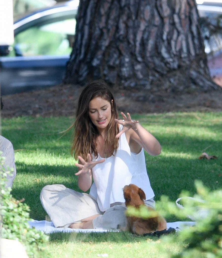 Minka Kelly Takes Her Dog Fred to the Park in Beverly Hills 07/17/2018-3