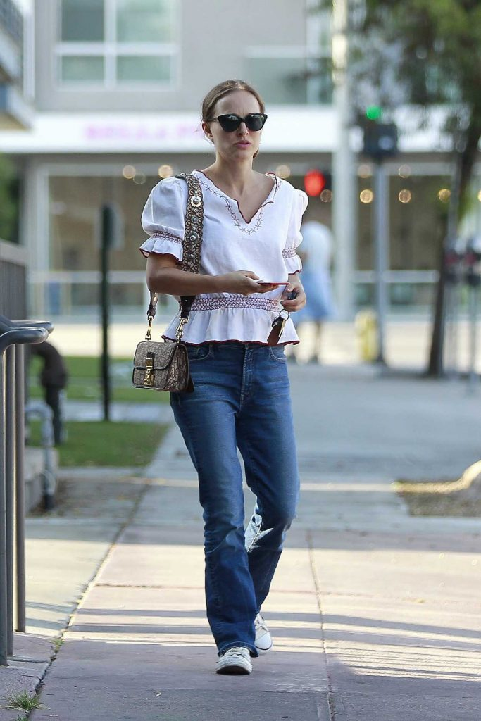 Natalie Portman in a White Embroidered Blouse