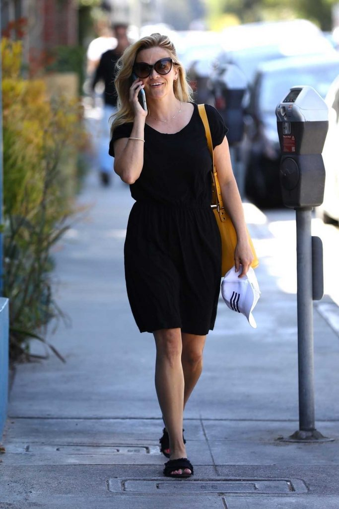 Reese Witherspoon Was Seen Out in Brentwood 06/30/2018-3