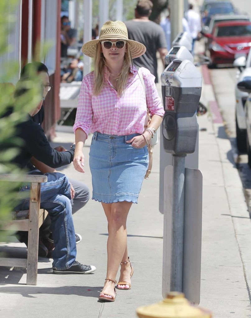 Reese Witherspoon Wears a Short Denim Skirt Out in Brentwood 07/19/2018-1