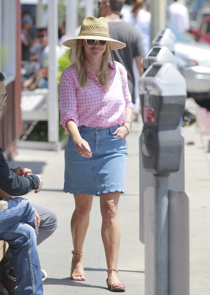 Reese Witherspoon Wears a Short Denim Skirt Out in Brentwood 07/19/2018-2