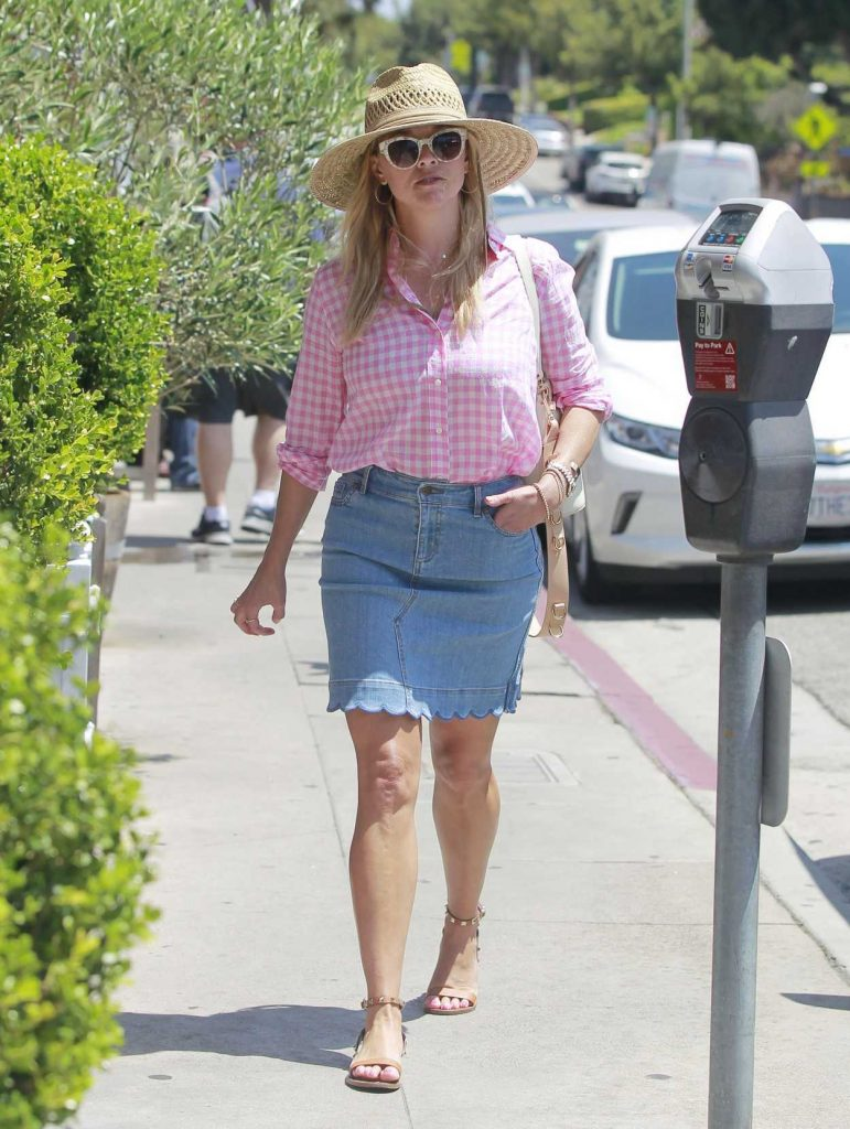 Reese Witherspoon Wears a Short Denim Skirt Out in Brentwood 07/19/2018-3