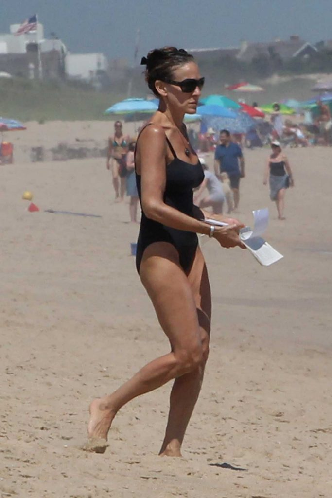 Sarah Jessica Parker Wears a Black Swimsuit on the Beach in Montauk 07/06/2018-1