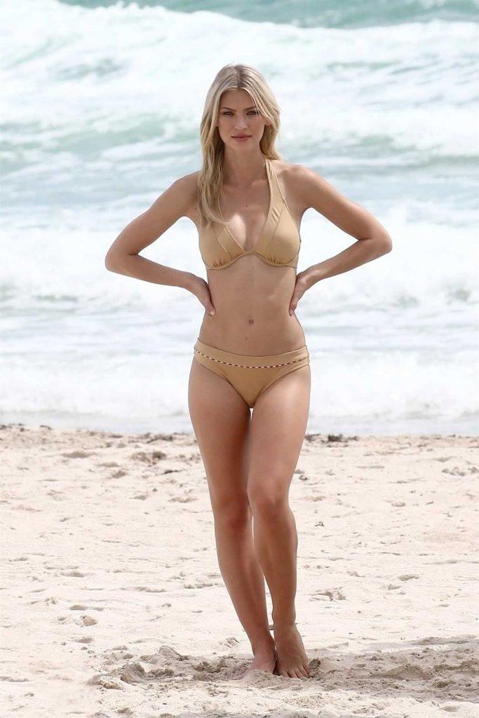 Andrea Cronberg in Bikini