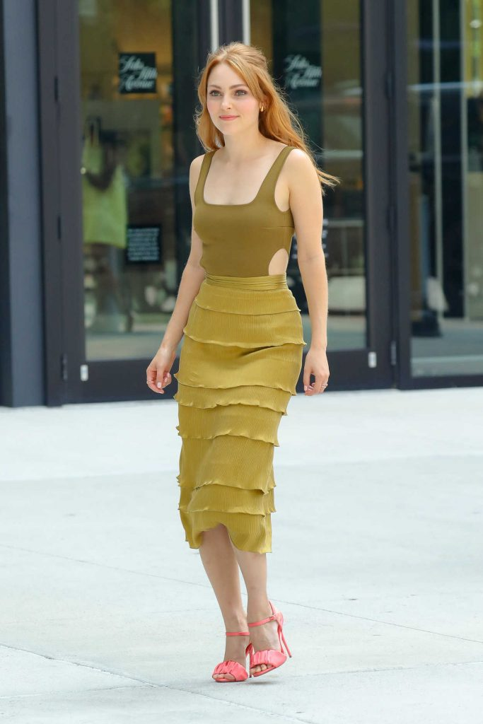 AnnaSophia Robb in a Olive Green Outfit