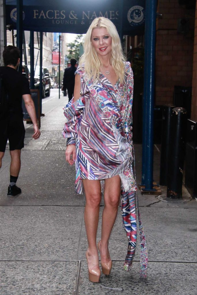 Tara Reid in a Floral Dress