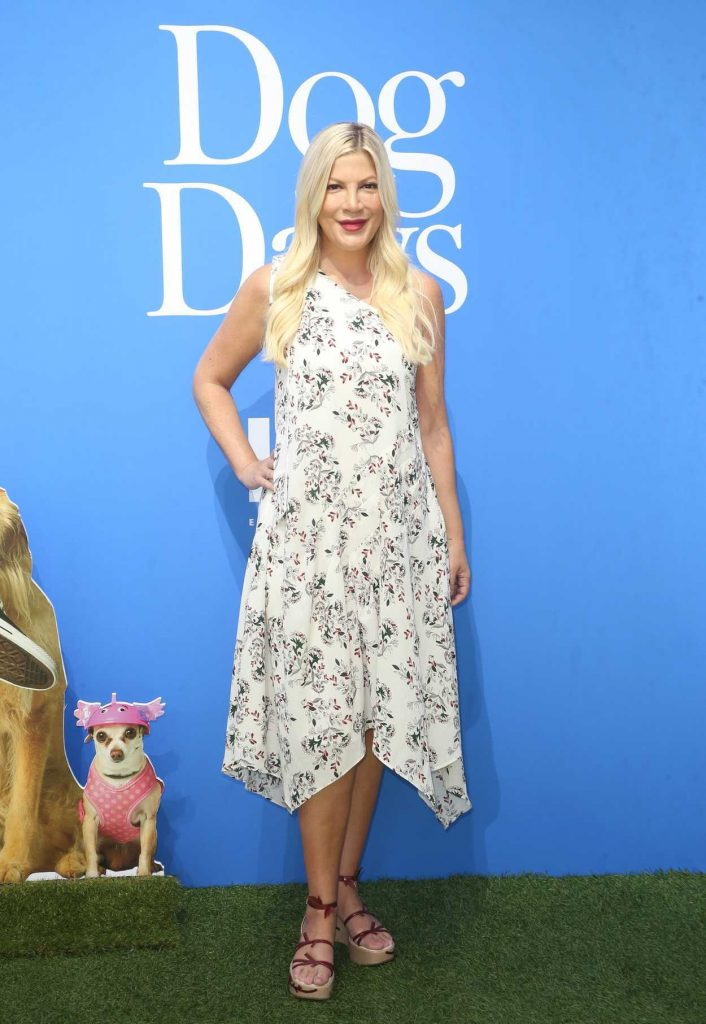 Sofia Richie I >> Tori Spelling at the Dog Days World Premiere in LA 08/05/2018 – celebsla.com