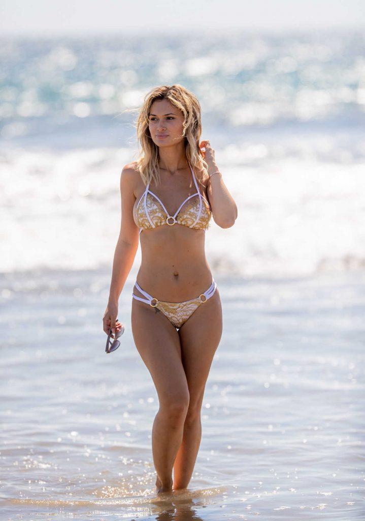 Ella Rose In Bikini On The Beach In Santa Monica 09 20