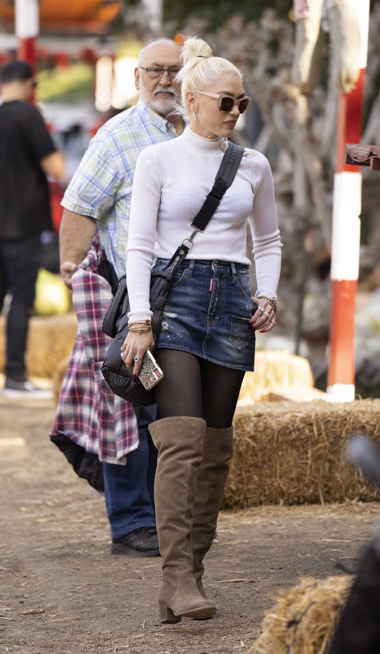 Gwen Stefani In A Short Denim Skirt Was Seen Out In LA 10