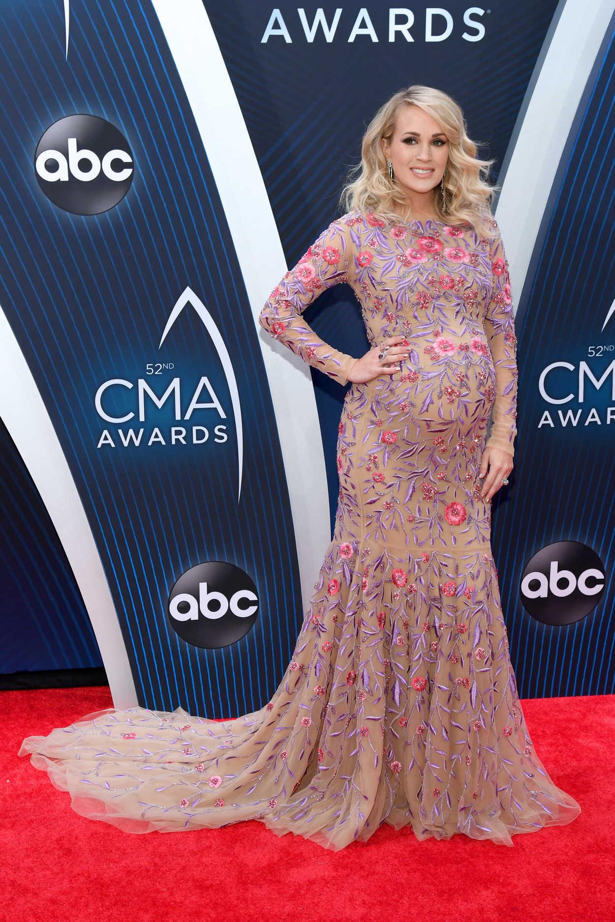 Carrie Underwood Atten...