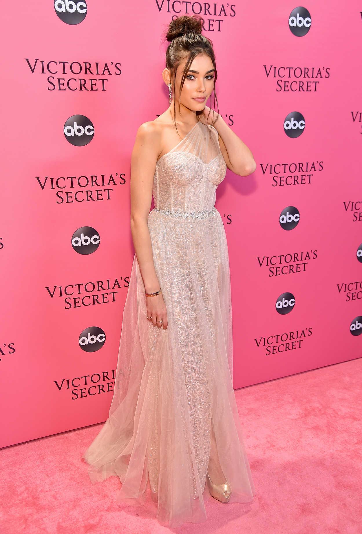 Victoria S Secret Fashion Show Singer