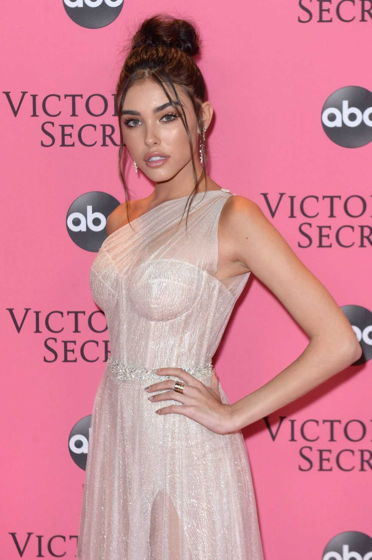 madison beer attends 2018 victoria u2019s secret fashion show at pier 94 in new york city 11  08  2018