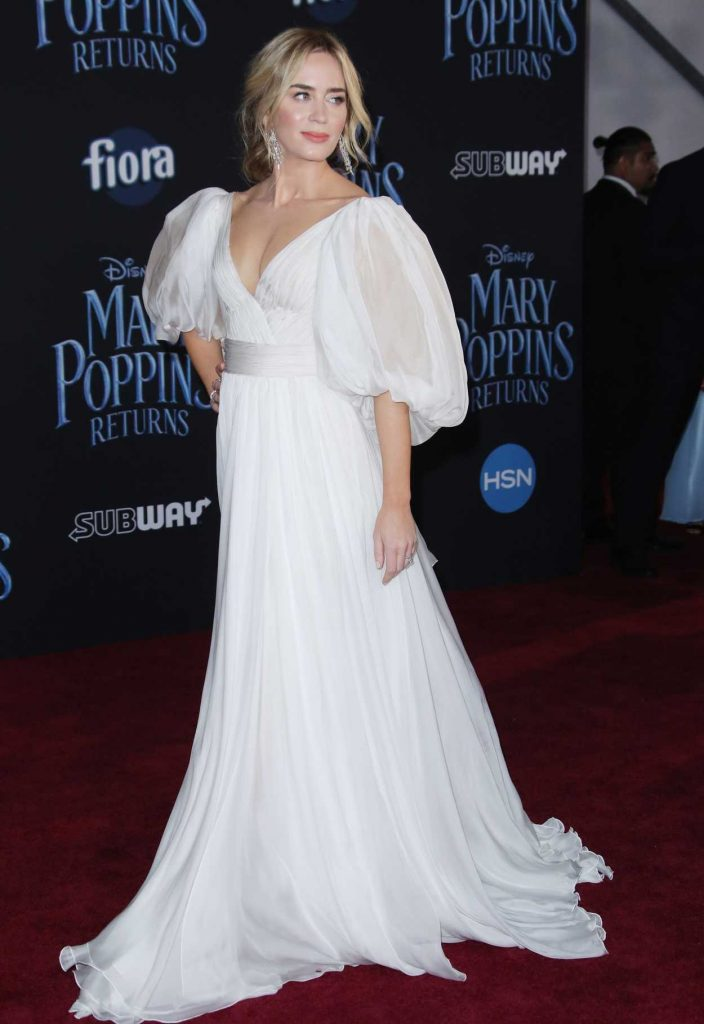 Emily Blunt Attends Mary Poppins Returns Premiere in Los ...