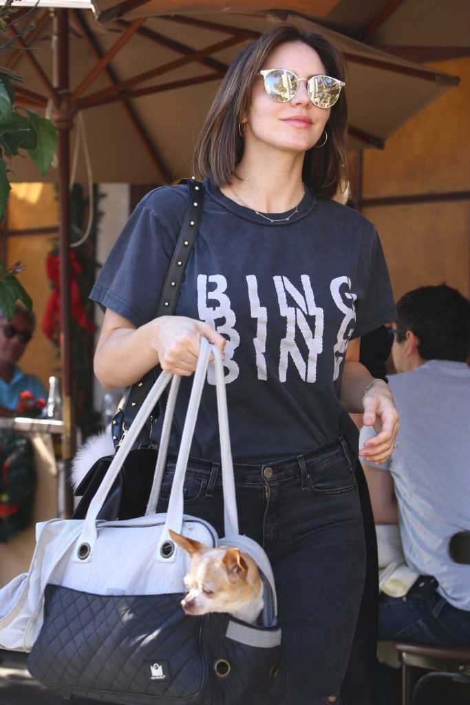 Katharine McPhee in a Black Ripped Jeans