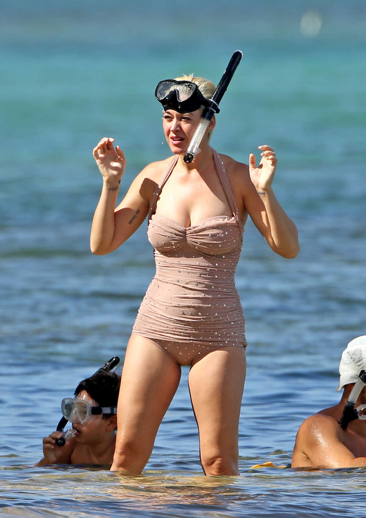 Katy Perry in a Beige Swimsuit on Vacation in Hawaii 12/24 ... Orlando Bloom
