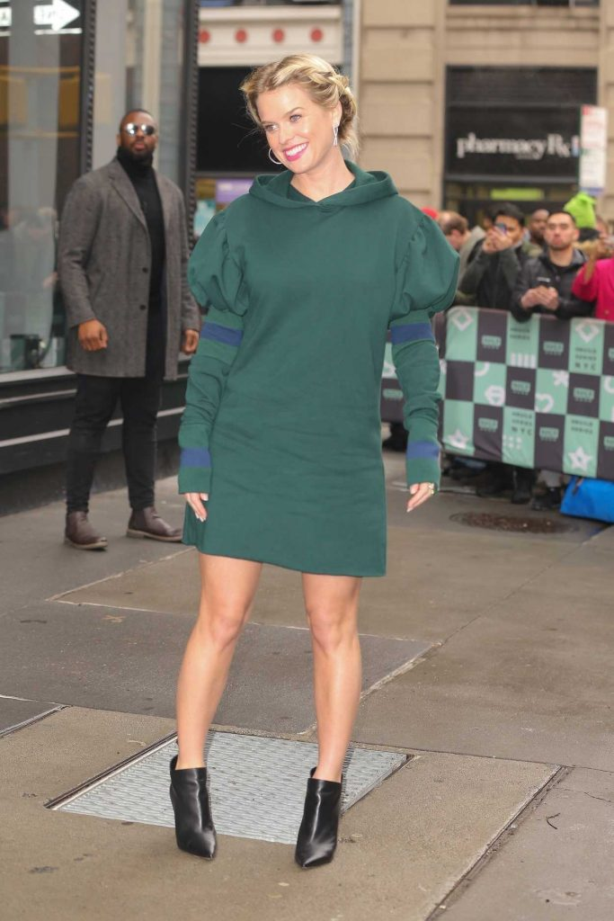 Alice Eve in a Green Dress