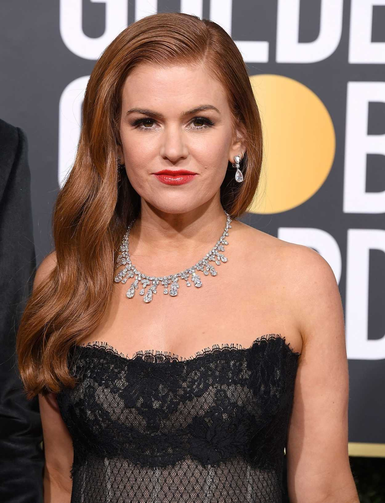 Isla Fisher Attends the 76th Annual Golden Globe Awards in ...