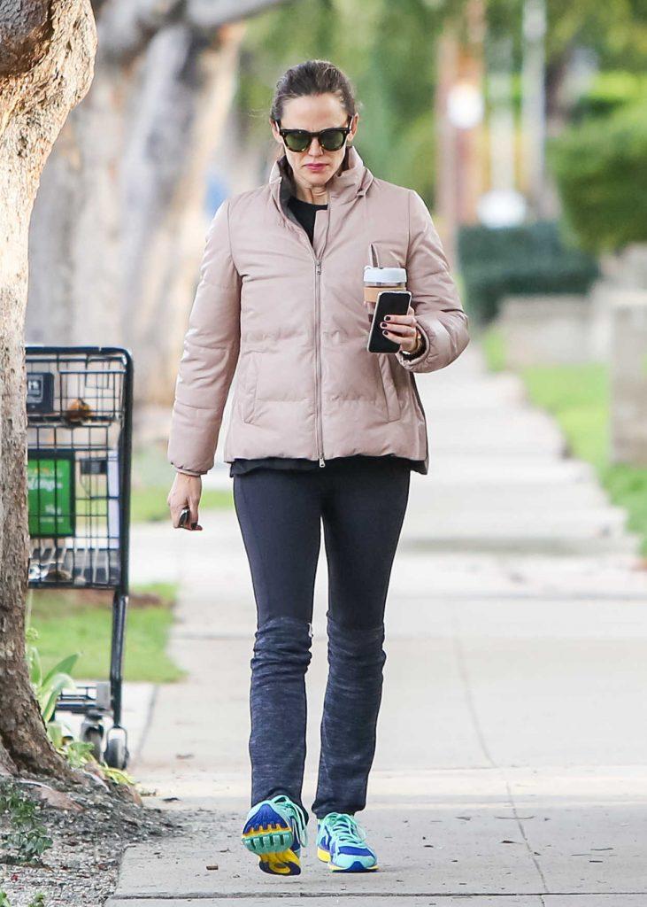 Jennifer Garner in a Beige Jacket