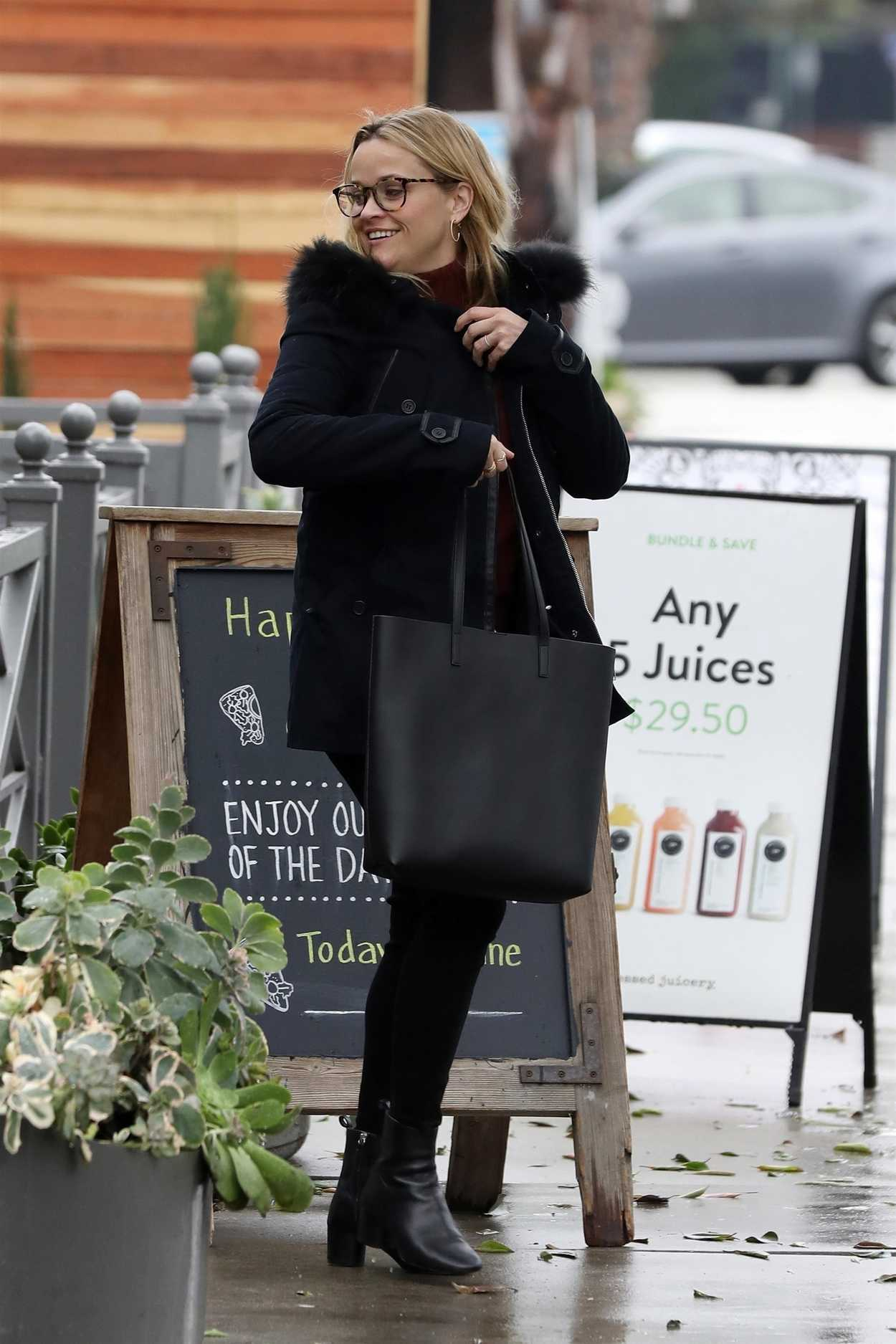 Reese Witherspoon Was Seen Out With Her Mom In Brentwood