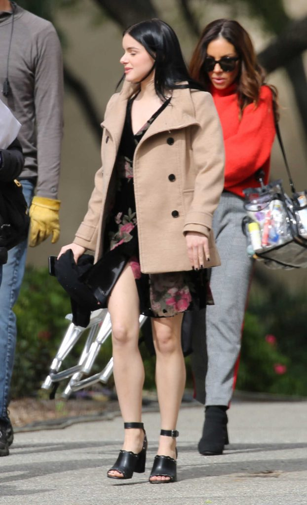 Ariel Winter in a Short Beige Coat