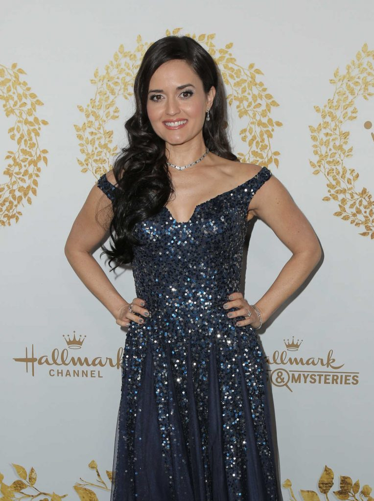 danica mckellar attends 2019 hallmark movies and mysteries winter tca tour in pasadena 02 09. Black Bedroom Furniture Sets. Home Design Ideas