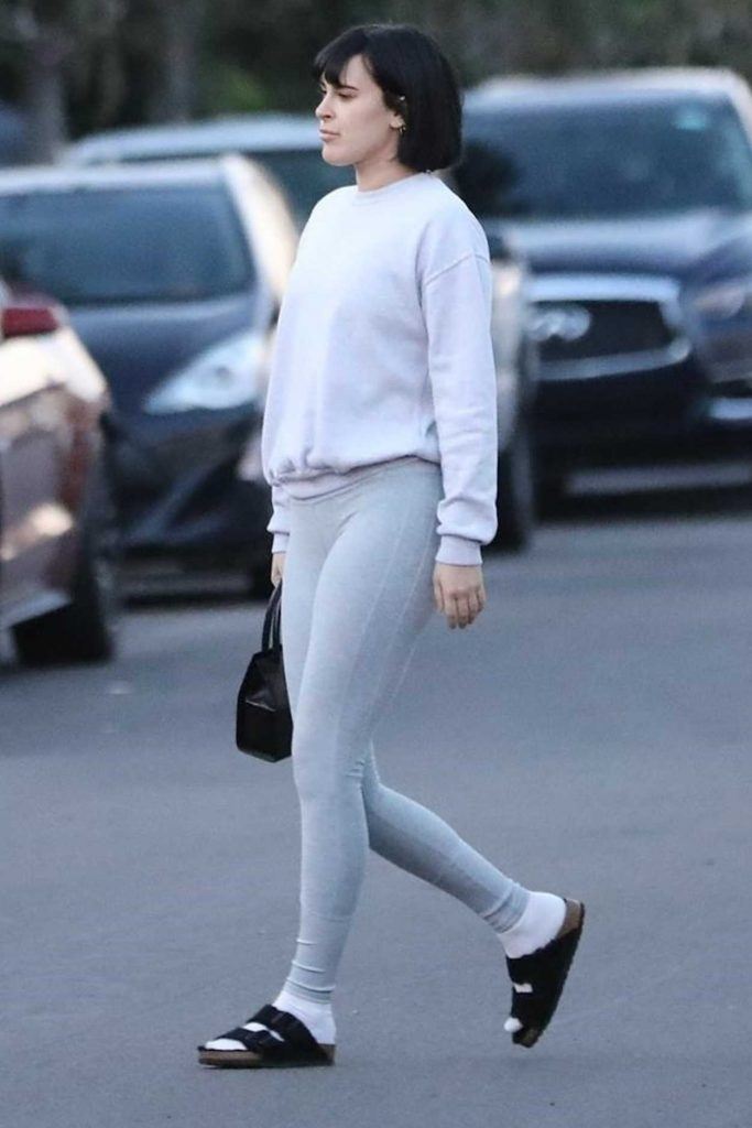 Rumer Willis in a Gray Leggings