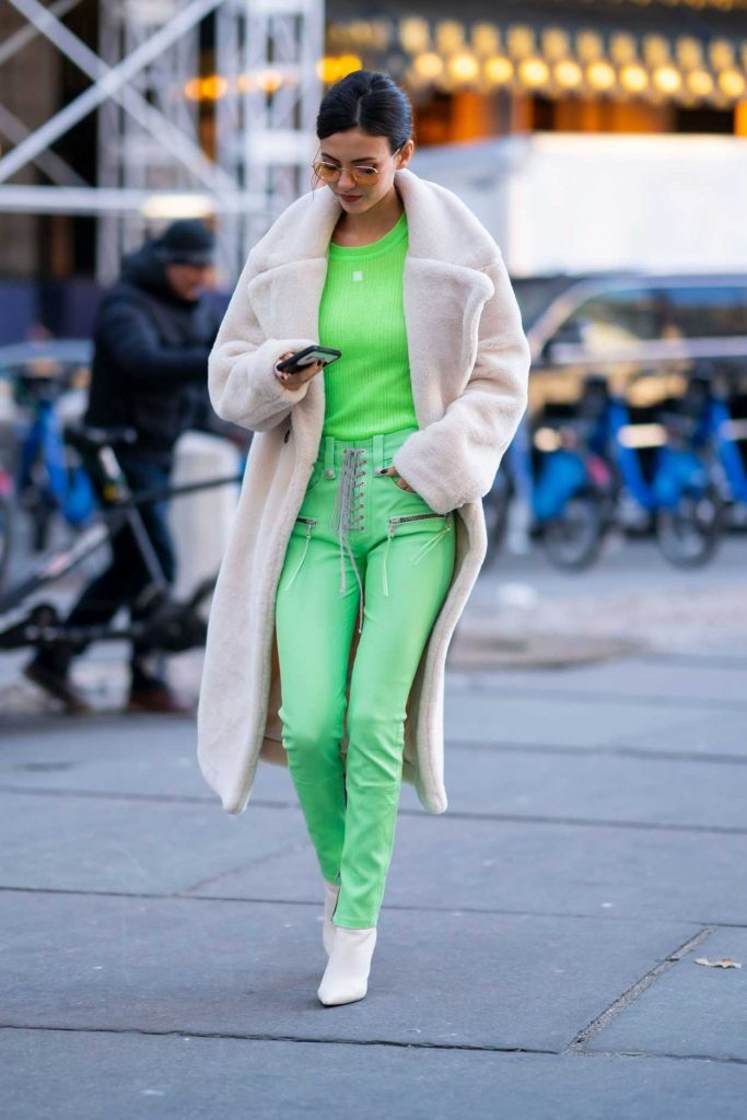 Victoria Justice in a Green Pants