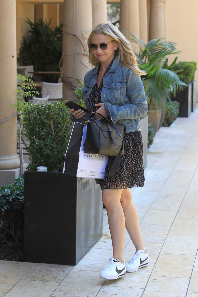 Sarah Michelle Gellar in a Blue Denim Jacket