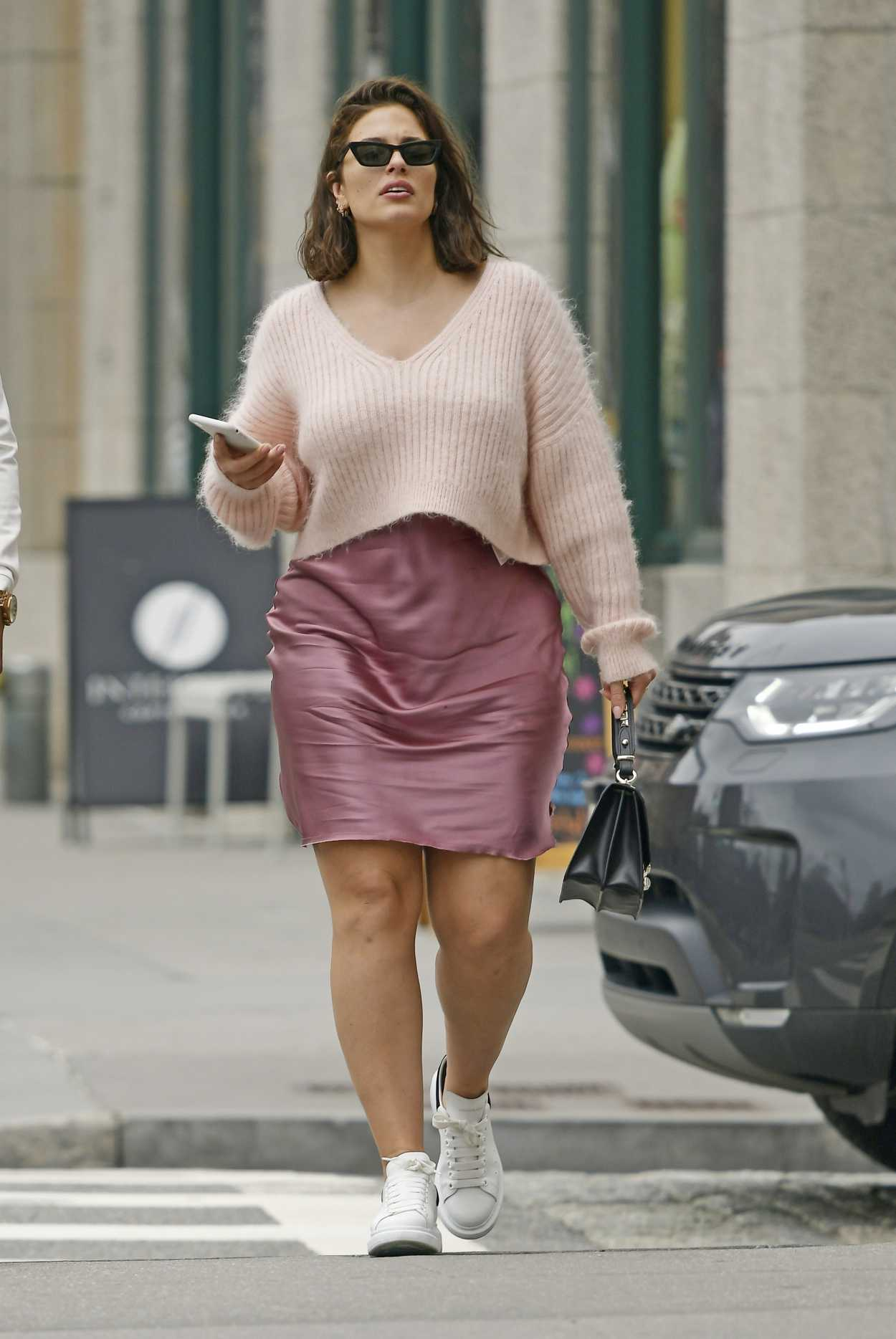 Ashley Graham Was Seen Out With Justin Ervin In Tribeca Nyc 04 14