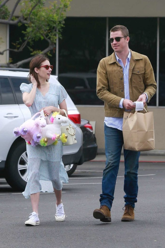 Emma Roberts in White Converse Gym Shoes