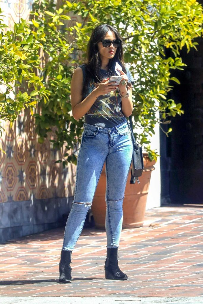 Eiza Gonzalez in a Blue Ripped Jeans