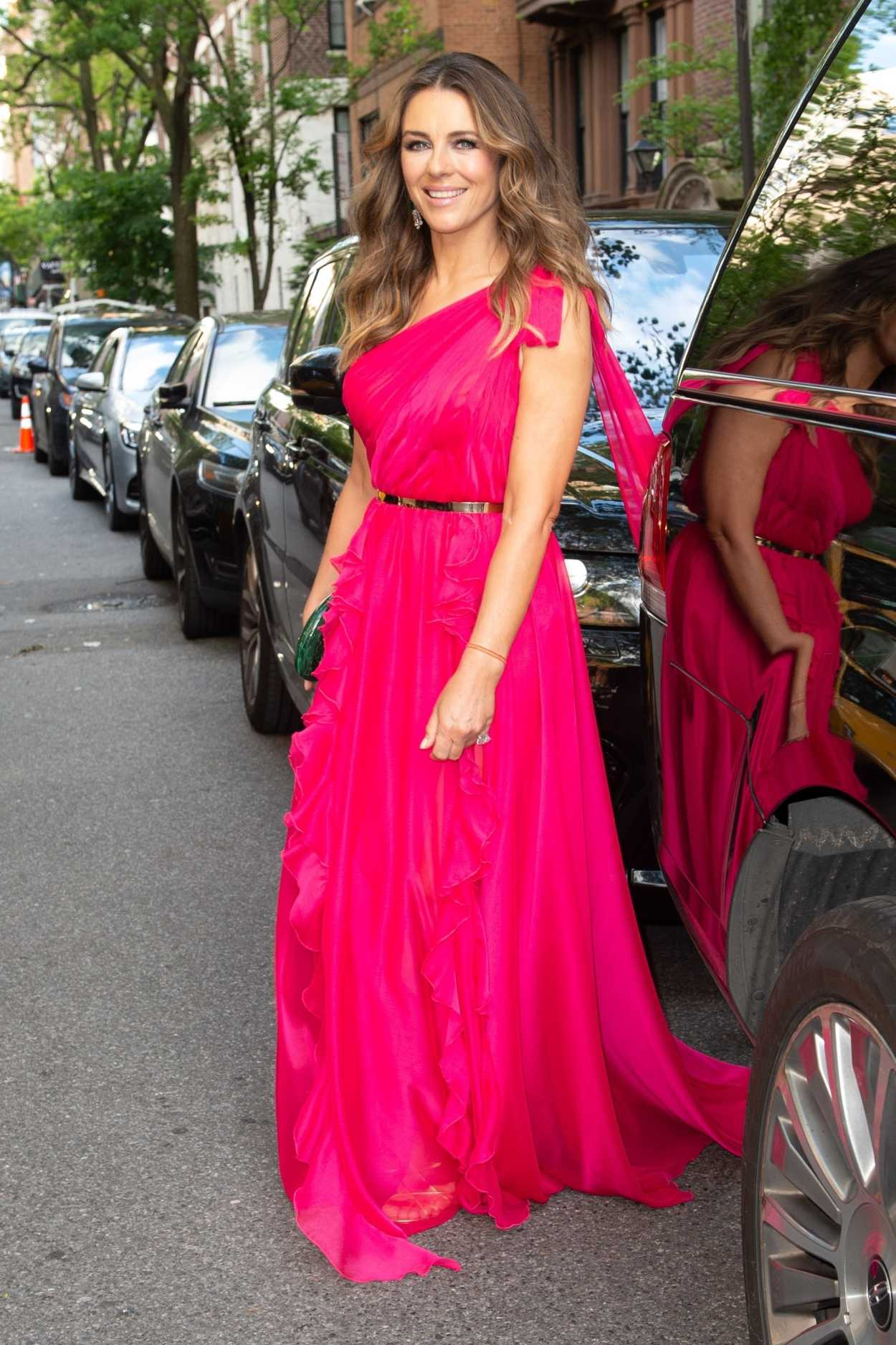 hot british_Elizabeth Hurley Attends Breast Cancer Research Foundation Hot Pink Party in New York ...