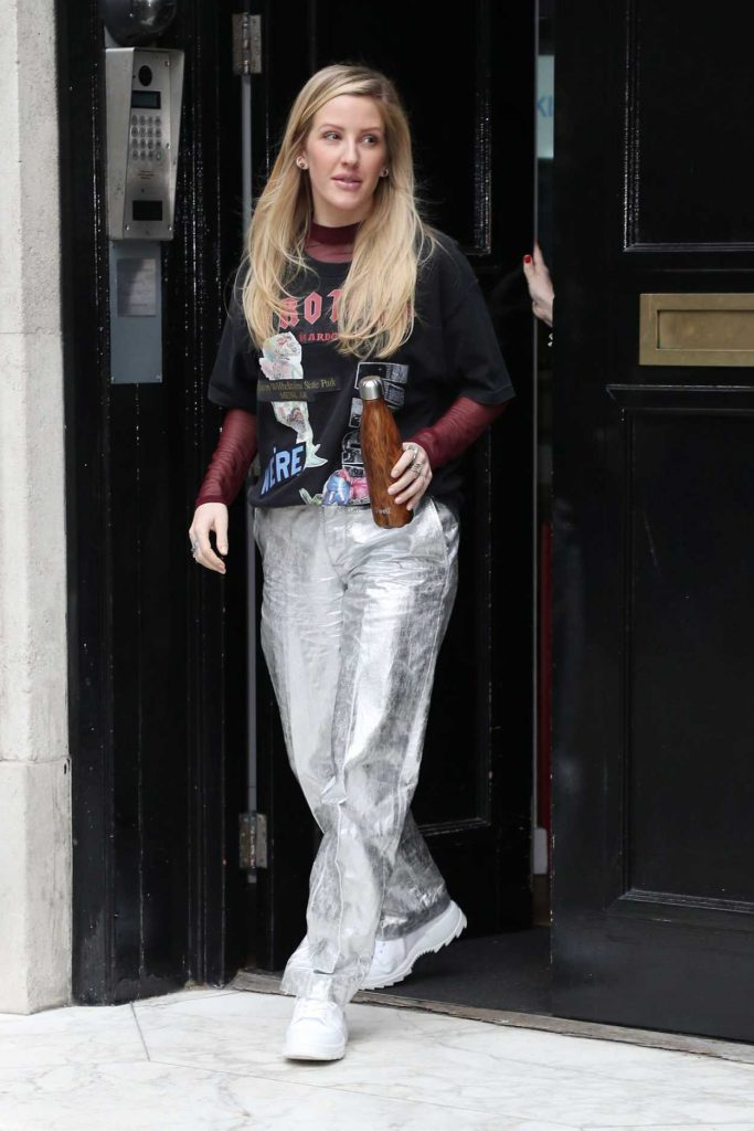 Ellie Goulding in a Silver Pants