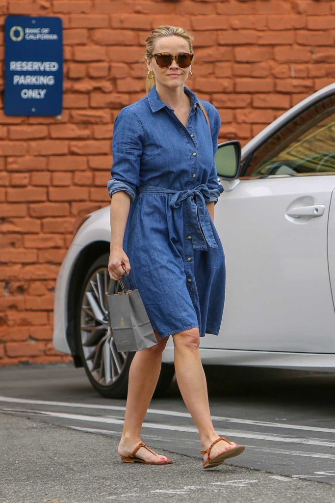 Reese Witherspoon in a Blue Denim Dress
