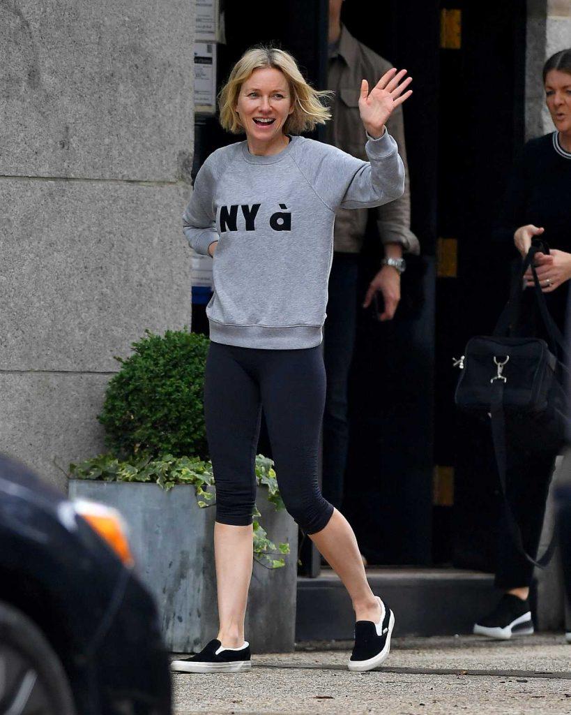 Naomi Watts in a Gray Sweatshirt