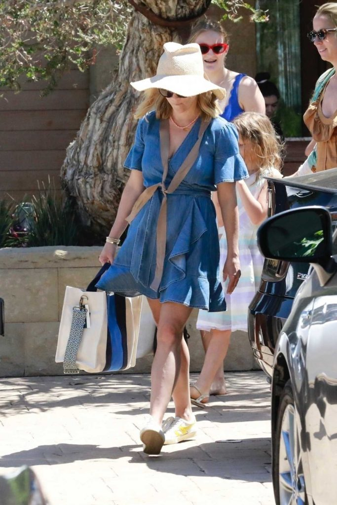 Reese Witherspoon in a White Hat