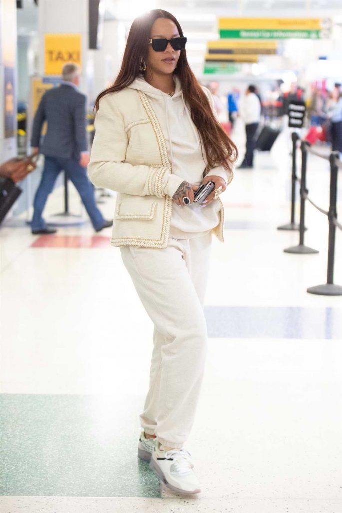 Rihanna in a Beige Sweatpants