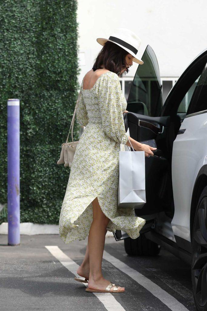 Jenna Dewan in a White Hat