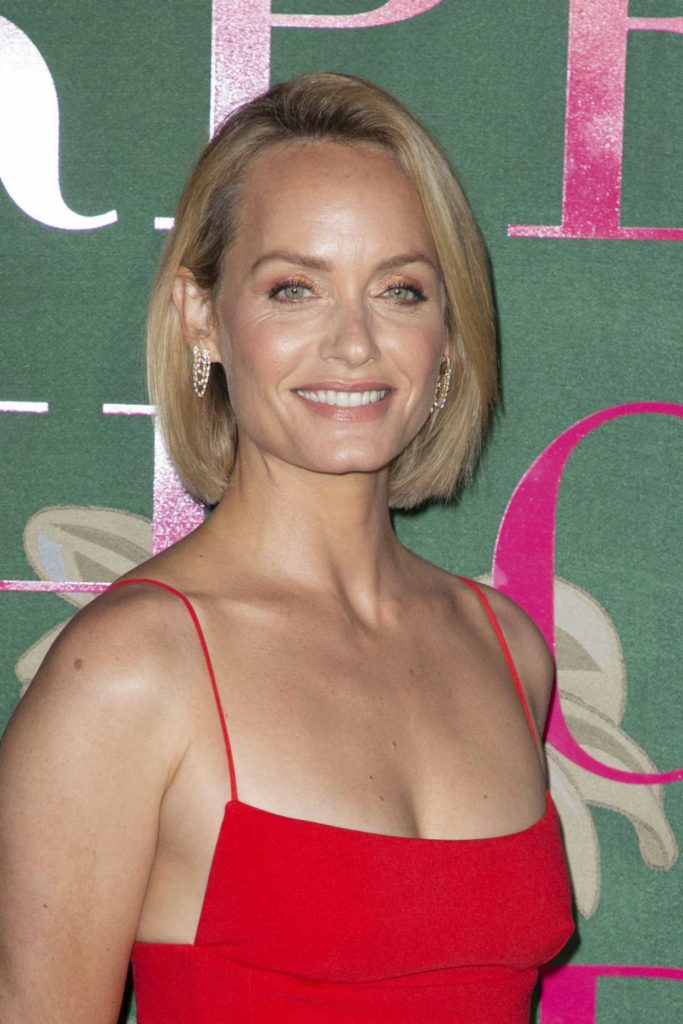 Amber Valletta Attends The Green Carpet Fashion Awards In