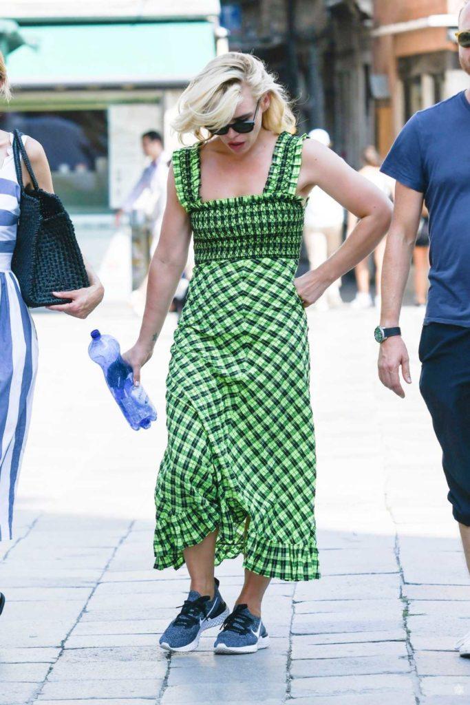 Billie Piper in a Green Dress