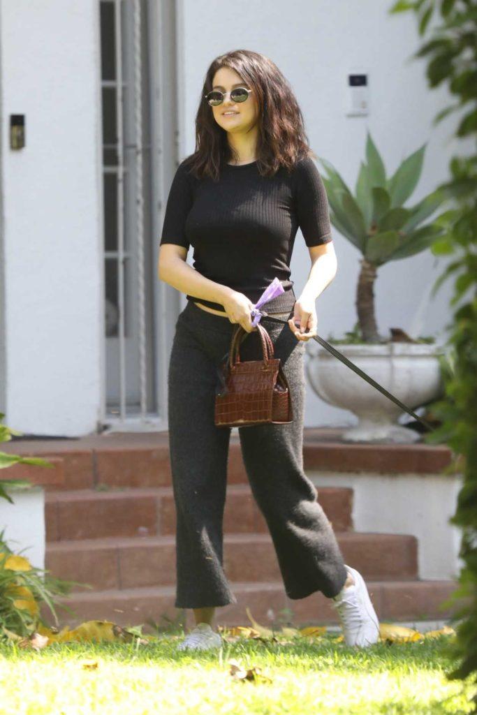 Selena Gomez in a Gray Sweatpants