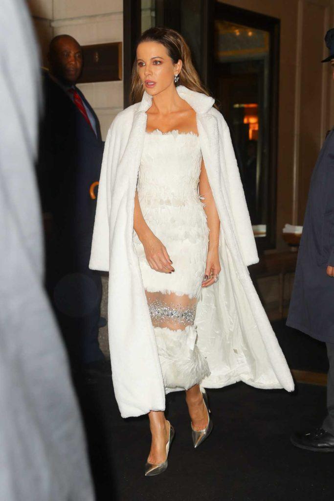 Kate Beckinsale in a White Fur Coat