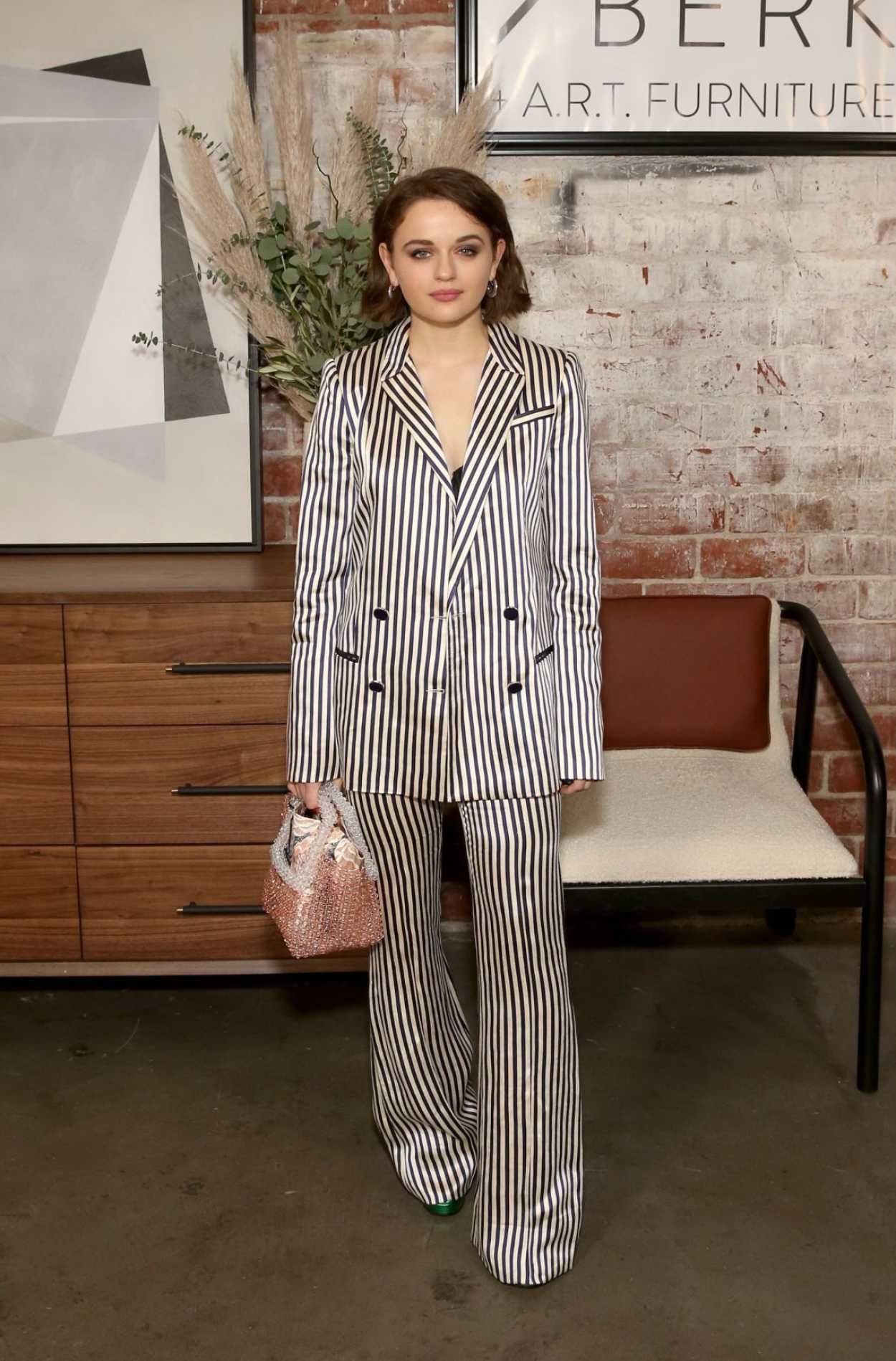 Joey King Attends The Bobby Berk S A R T Furniture Launch Event In La 11 05 2019 Celebsla Com