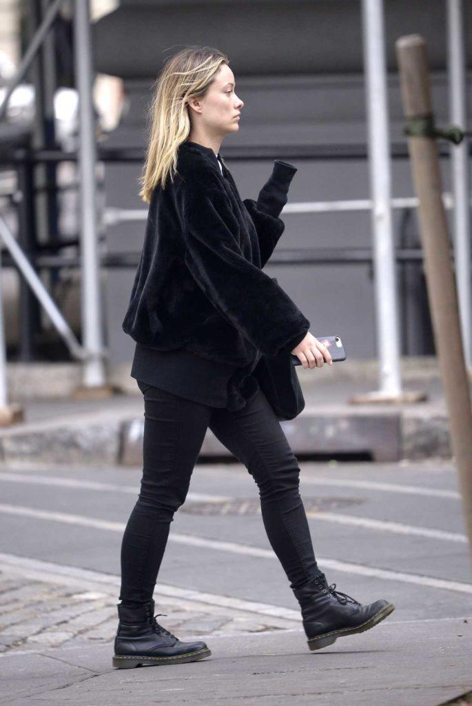 Olivia Wilde in a Short Black Fur Jacket