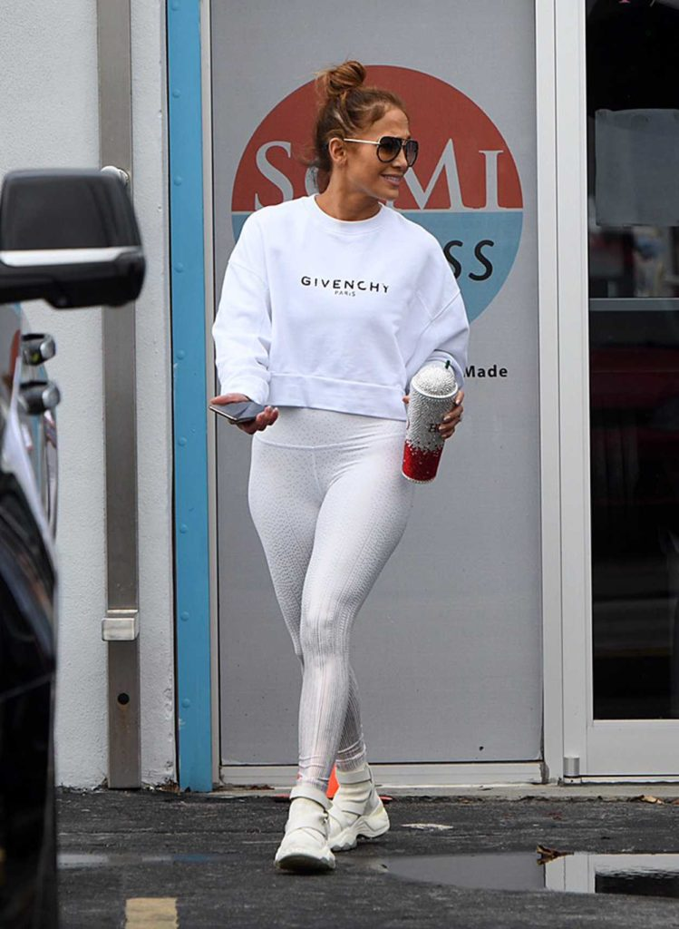 Jennifer Lopez in a White Sweatshirt