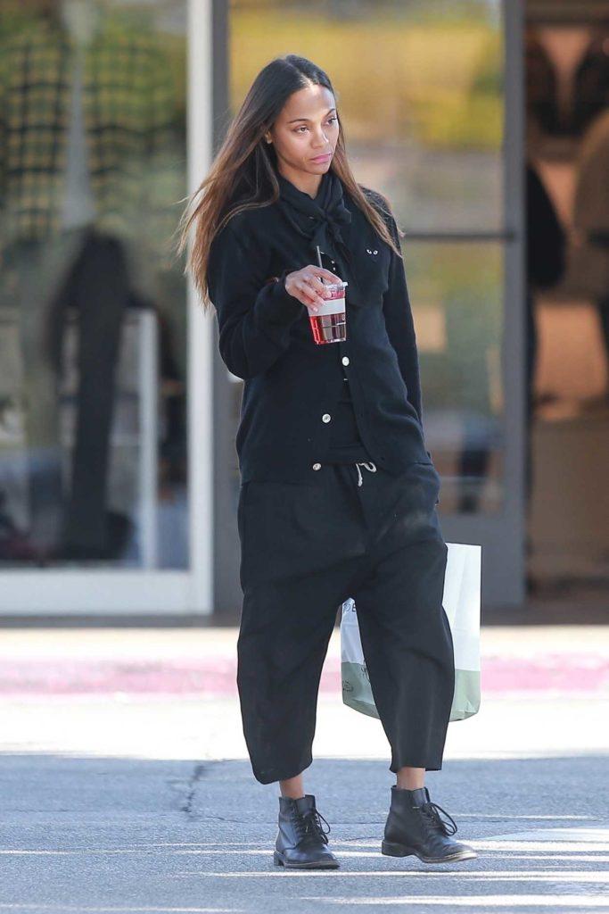 Zoe Saldana in a Black Pants