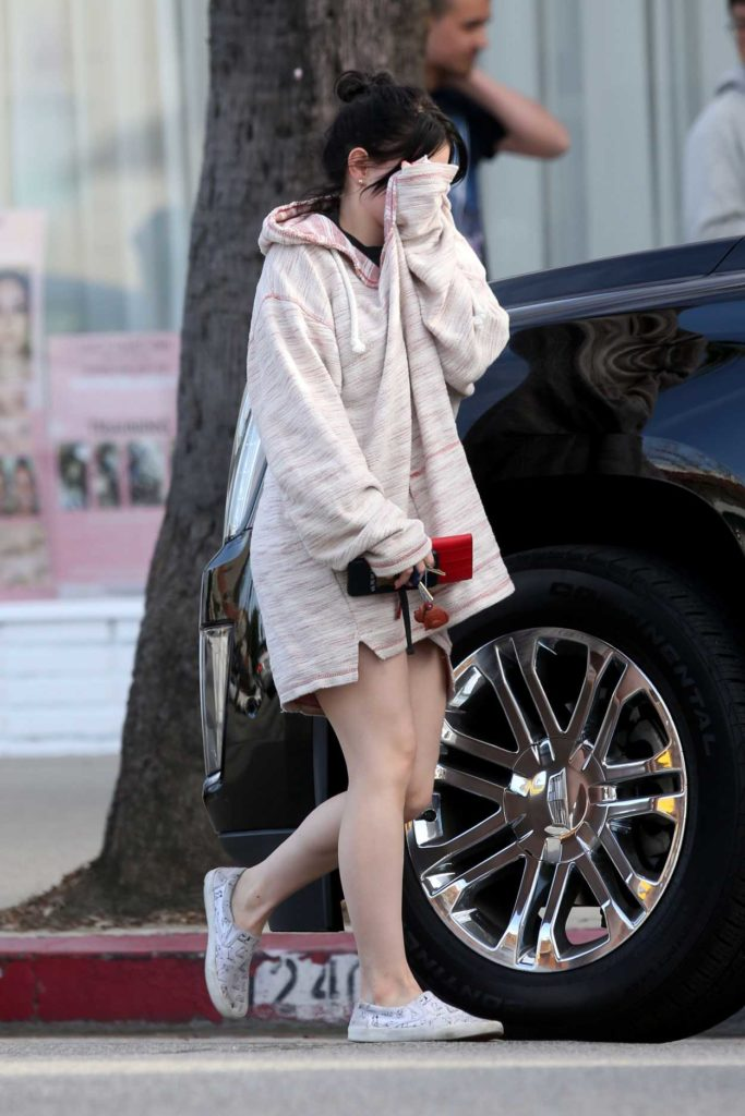 Ariel Winter in a Pink Oversized Hoody