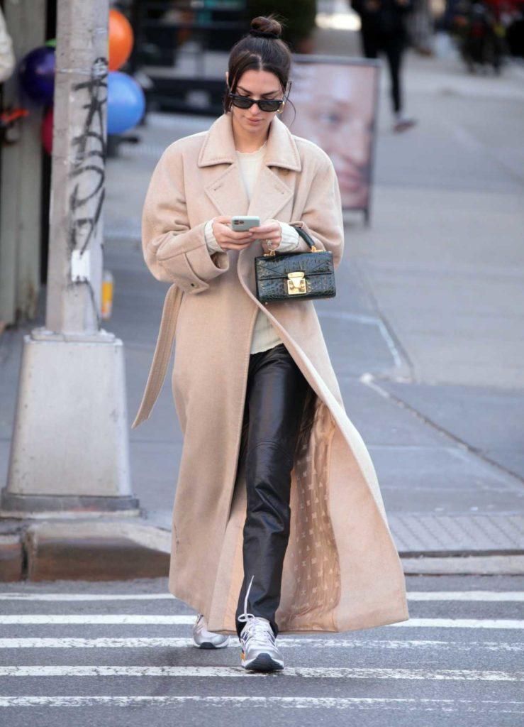 Emily Ratajkowski in a Beige Coat